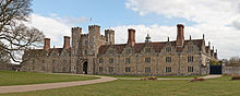 220px-Knole,_Sevenoaks_in_Kent_-_March_2009